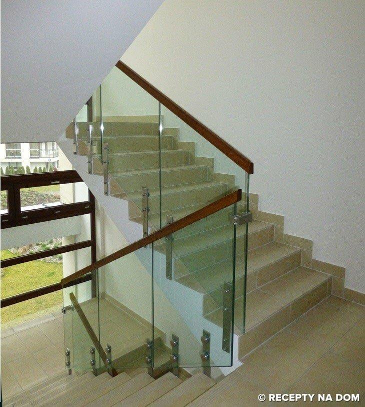 Balkon W Domu Jednorodzinnym: Jakie Schody Są Najlepsze W Domu Jednorodzinnym?