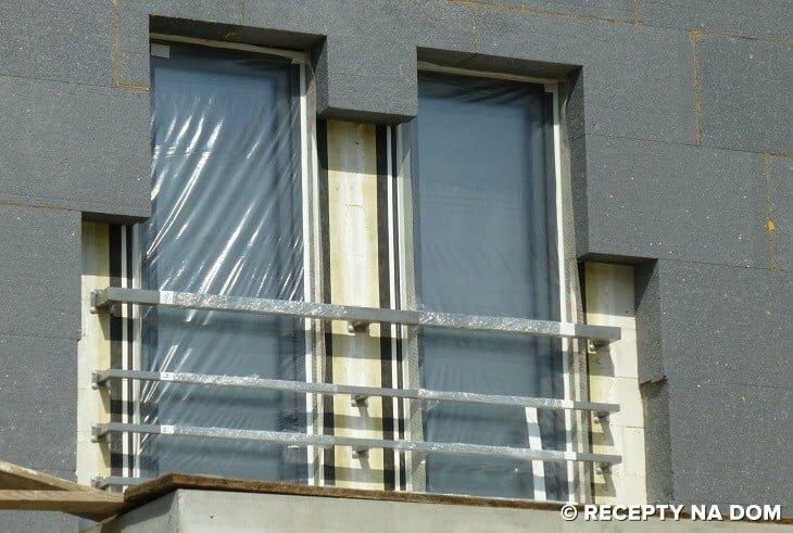 W Jaki Sposób Zamontować Balustrady W Oknach Na Piętrze Domu
