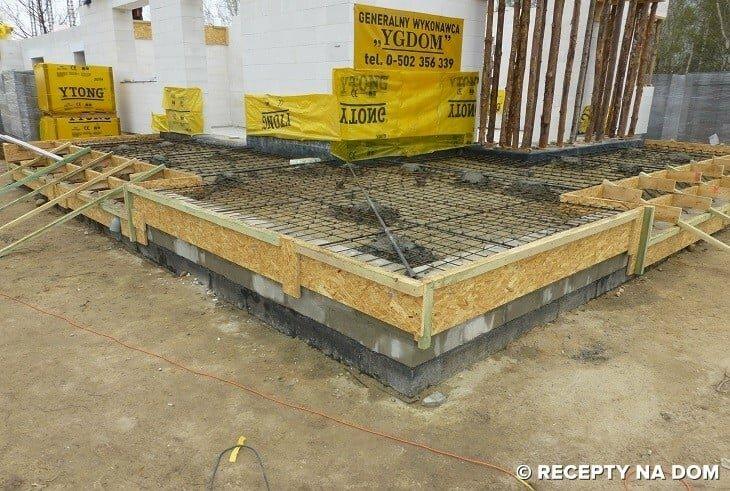 Zaawansowane Jak zrobić betonowy taras przylegający do domu? - Recepty na dom RA96